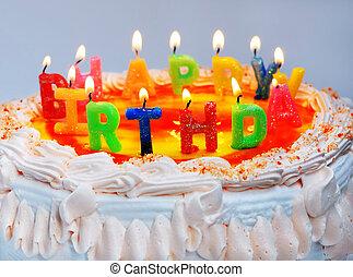 """apetitoso, torta de cumpleaños, con, el, luz, colorido, velas, con, texto, """"happy, birthday"""""""