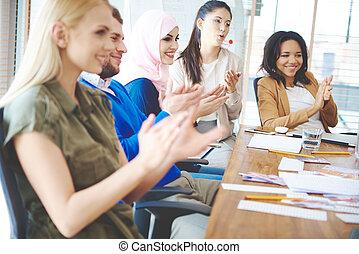 aplaudiendo, reunión, empresarios