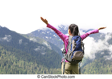 aplausos, mujer, abierto, brazos, excursionismo