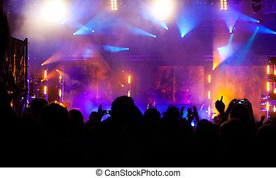 aplausos, multitud, en, concierto