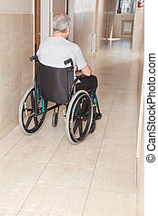 aposentado, homem, ligado, cadeira rodas