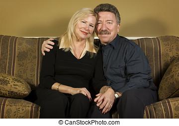 aposentado par, ligado, sofá