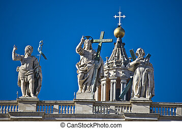 Apostel - some of the statues of the apostel on the roof of ...