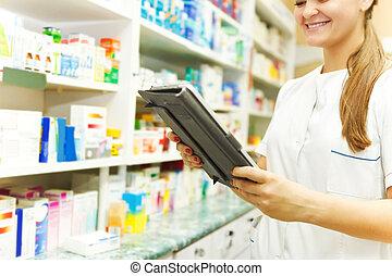 apoteker, arbejder, hos, en, tablet, computer, ind, den, apotek