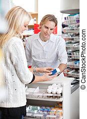 apoteker, hjælper, kunde