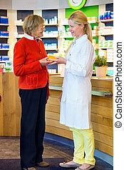 apotheker, geben, kunde, medikation, bestellung