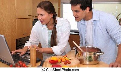 appareil photo, ascensions, montrer, a, couple, cuisine,...