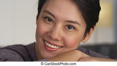 appareil photo, femme souriante, joli, chinois