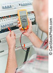 appareil, utilisation, électricien