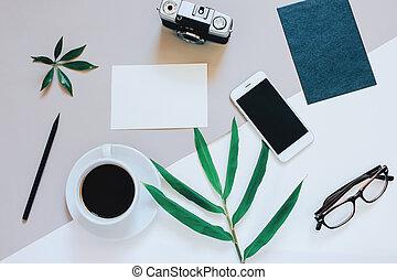 appartamento, stile, caffè, foto, minimo, spazio, busta, creativo, vuoto, fondo, macchina fotografica, carta, workspace, scrivania, copia, smartphone, film, disposizione