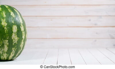 appearance and cutting watermelon - Cutting watermelon -...