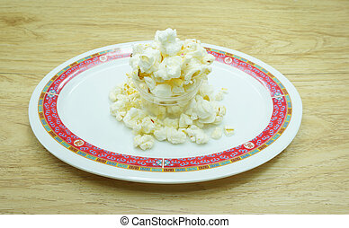 Appetize popcorn - Popcorn as an appetizer, white, sweet and...