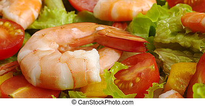 Appetizer: King prawn with lettuce, bell pepper, tomato (Selective Focus)