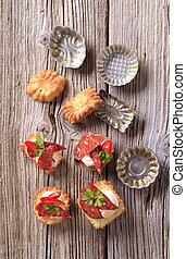 Appetizers and small tartlet tins - Pastry based canapes and...