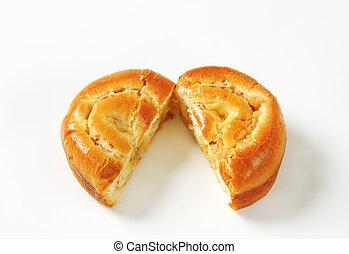 Apple Custard Bun