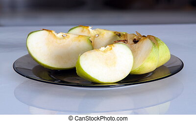 Apple pieces on the plate