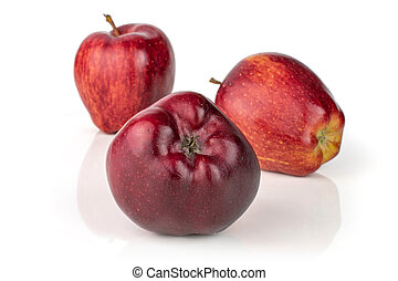Apple red delicious isolated on white