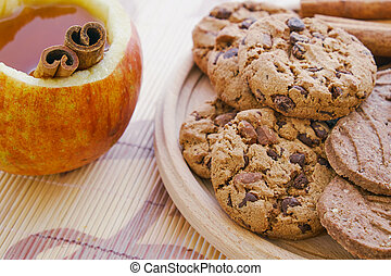 Apple tea and cookies