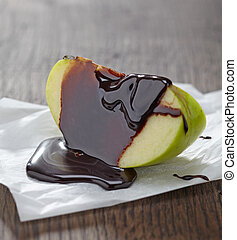 apple with chocolate