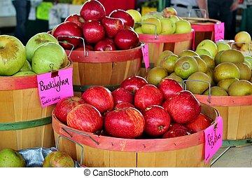 Apples in baskets 2