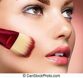 applicando trucco, base, perfetto, cosmetic., make-up.