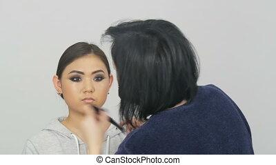 applique, maquillage, ou, fondation, concealer, brosse,...