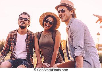 apprécier, gens, temps, jeune, trois, gai, autre, chaque, fin, séance, friends., sourire