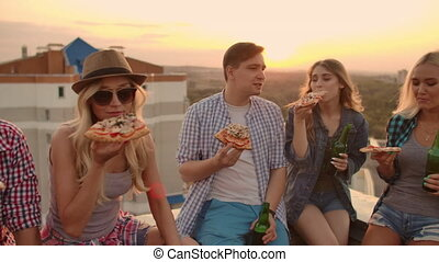 apprécier, jeune, fête, pizza, gens