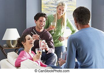 apprécier, plat à emporter, amis, groupe, repas, chinois, maison