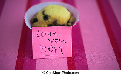 Appreciation to Happy Mother's Day with cupcake and text message