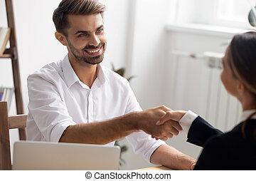 après, candidat, cadre, poignée main, vacance, embauche, directeur, entrevue, ou, avant
