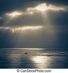 après, orage, océan