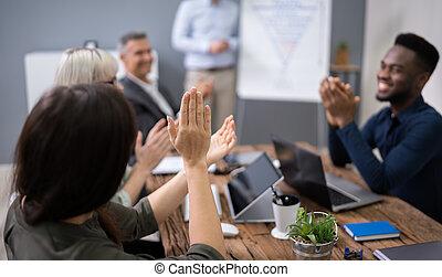 après, présentation, personnel, collègues, applaudir