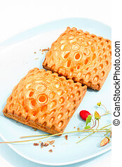 Apricot puff pastries