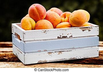 aprikosen, in, hölzerner kasten