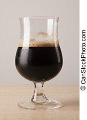 apropiado, vidrio., cerveza negra