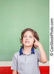 aproximadamente, pensando, escola, primário, resposta, estudante, frente, feliz