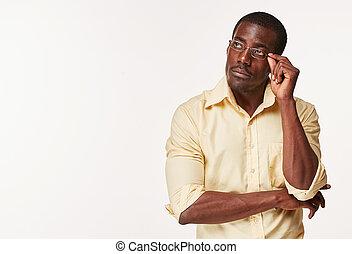 aproximadamente, pensando, jovem, pretas, algo, homem africano, reminiscing