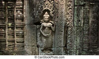 Apsara bas-relief shadow zoom timelapse - Angkor temples...