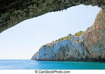 apulia, grotta, zinzulusa, -, fliegendes, vögel, an, der,...
