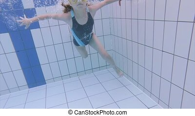 aquapark, sous-marin, girl