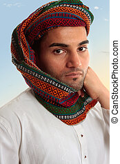 arab, man, in, traditionell, turban, keffiyeh