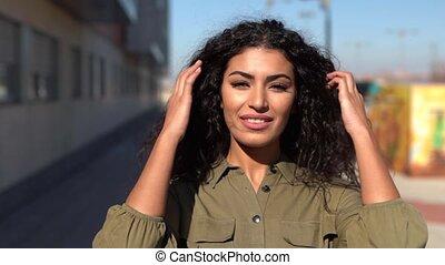 arabe, femme, noir, en mouvement, elle, jeune, cheveux, ...