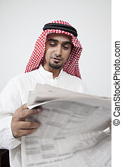arabe, lecture homme, investissement, profit