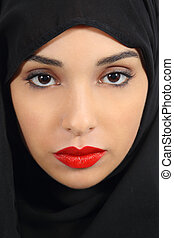 araber, saudiaraber, emirate, frau, mit, mollig, rote lippen, einholen