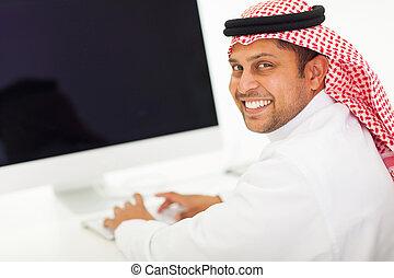arabski, komputer, pracujący, biznesmen
