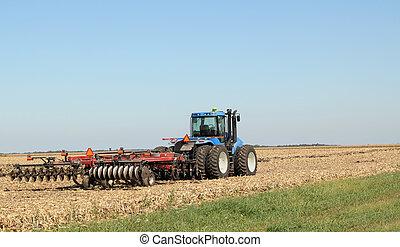 arado, tractor