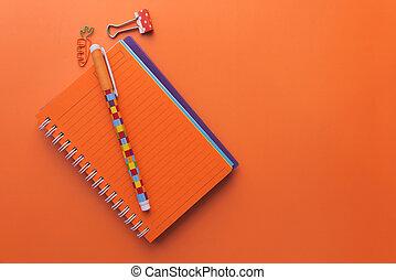 arancia, aperto, fondo, blocco note, colorito, penne