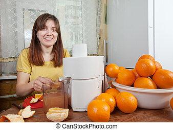arancia, fabbricazione, donna, succo fresco