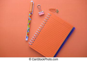 arancia, penna, aperto, blocco note, colorare